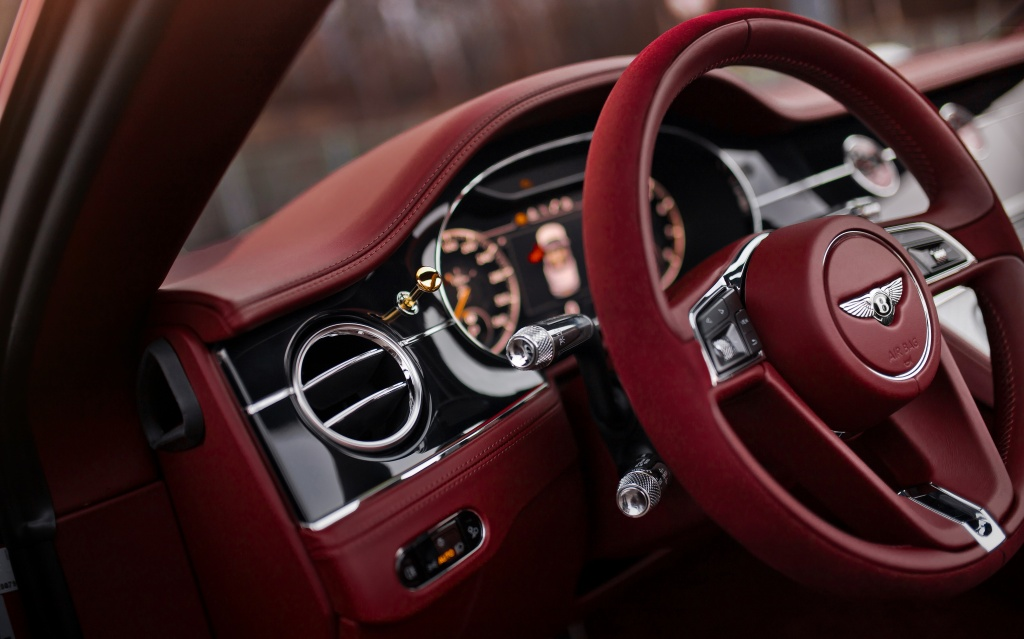 Continental GT Convertible Number 1 Edition by Mulliner (8).jpg